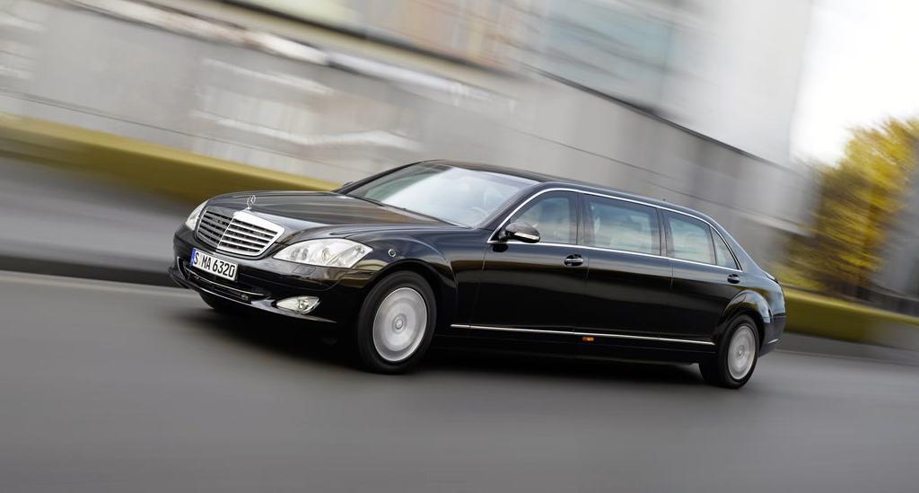 location de voiture avec chauffeur location limousine. Black Bedroom Furniture Sets. Home Design Ideas