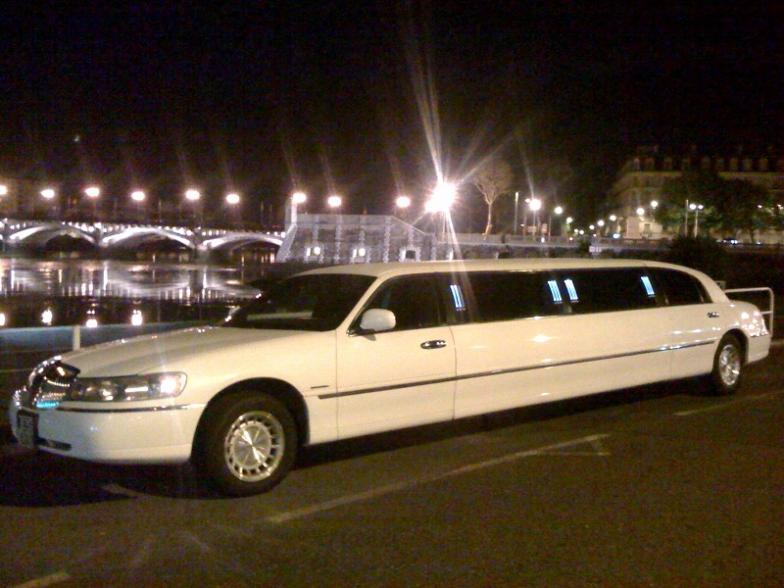 location limousine bordeaux location limousine. Black Bedroom Furniture Sets. Home Design Ideas